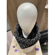 Black/White Wool ''Kapsjaal''