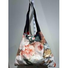 Romantic flowers velvet Bag